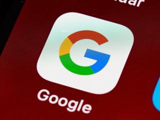 Исследование: Android отправляет Google в 20 раз больше данных, чем iOS Apple