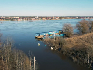 Новости на 'России 24'. Лед тронулся: мосты уходят под воду