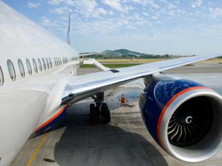 'Боинг' со 190 пассажирами на борту вернулся в Сочи