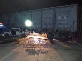 Под Новосибирском два человека погибли в аварии с вагоном