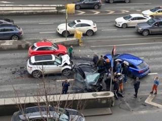 Пять машин столкнулись в центре Москвы