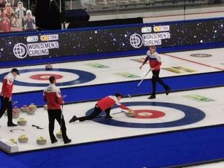 Российские керлингисты проиграли швейцарцам на чемпионате мира