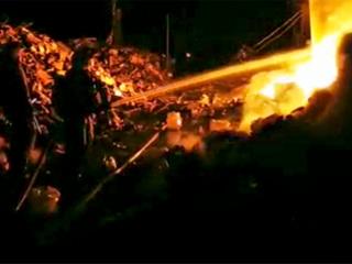 В Нижнем Новгороде сгорели ангары с макулатурой
