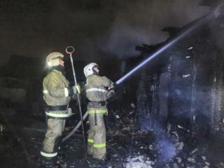 Дети, оставленные под присмотром дедушки и бабушки, погибли в огне