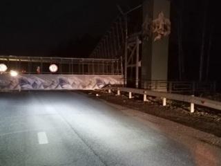 Полиция задержала водителя, обрушившего мост под Екатеринбургом