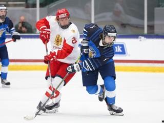 Юные шведские хоккеисты разгромили финнов и выиграли бронзу чемпионата мира