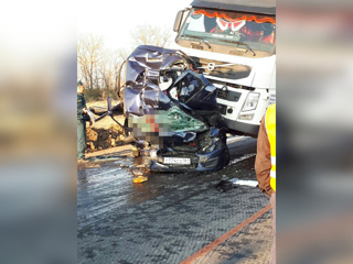 Авария трех грузовиков и легковушки под Волгоградом унесла три жизни
