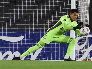 Вратари закончились. 'Ривер Плейт' выиграл матч с полузащитником в воротах