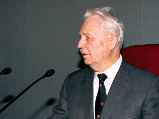 Память Егора Лигачева могут увековечить