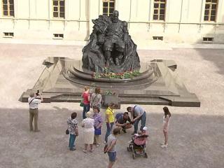 Вести в субботу. 'Вот опять я в нашей милой Гатчине': как создавали памятник Александру III