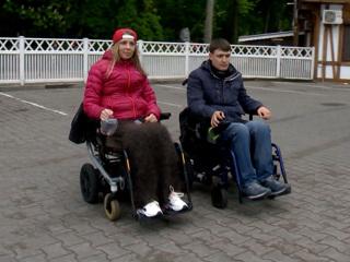 Новый скандал с 'Победой': в самолет не пустили двух инвалидов на колясках