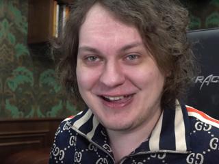 Суд отправил блогера Хованского в СИЗО до августа