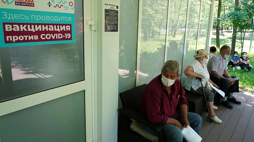 Москвичам раскрыли порядок получения QR-кодов для посещения кафе