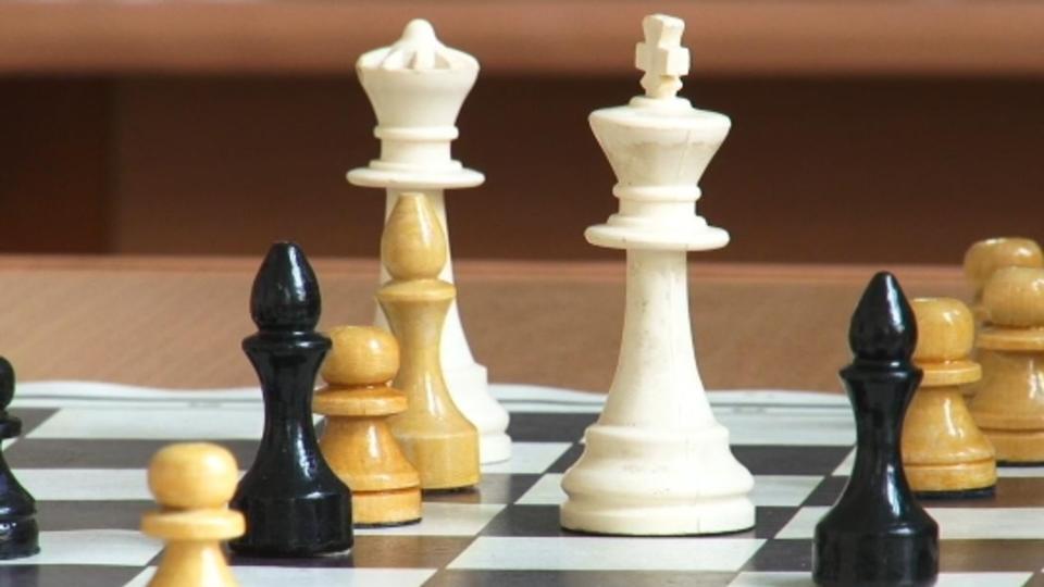 Карпов: российские заключенные сыграют в шахматы с американцами