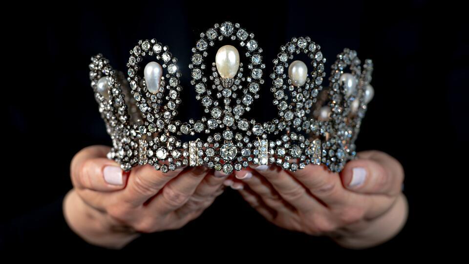 Тиара итальянских монархов ушла с молотка за $1,66 млн