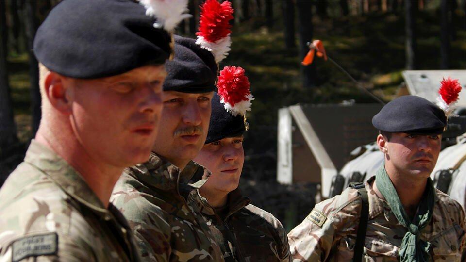 Британцы высмеяли английских солдат, устроивших пьяный дебош в Эстонии