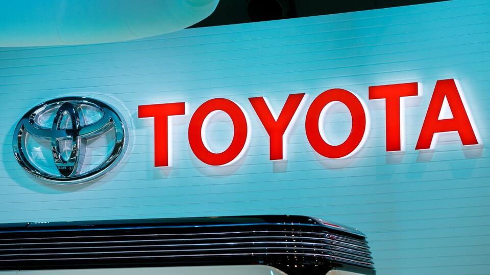 Toyota разработала автомобиль для перевозки вакцин от COVID