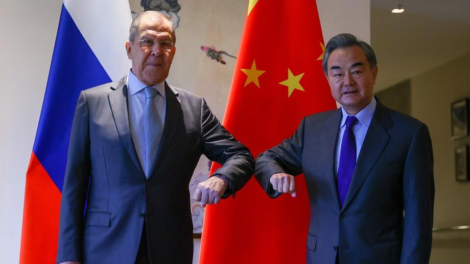 Сближение России и Китая встревожило НАТО