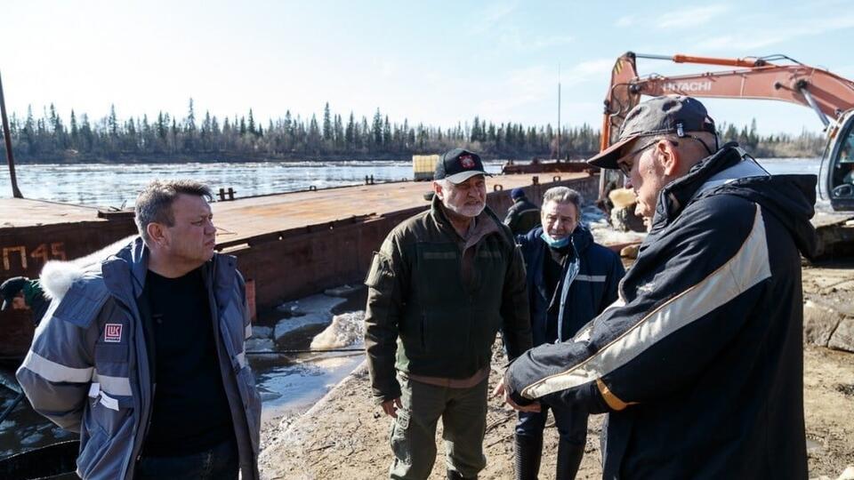 В Коми раскритиковали министра за 'теплую лукойловскую курточку'