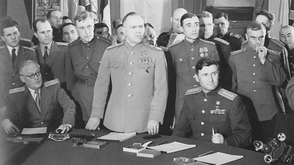 Минобороны показало уникальные фотографии советских военачальников ВОВ