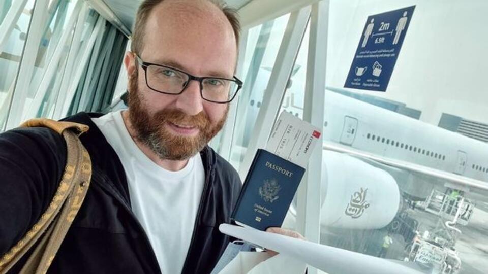 Организатор голой вечеринки в ОАЭ Гречин вылетел из Дубая