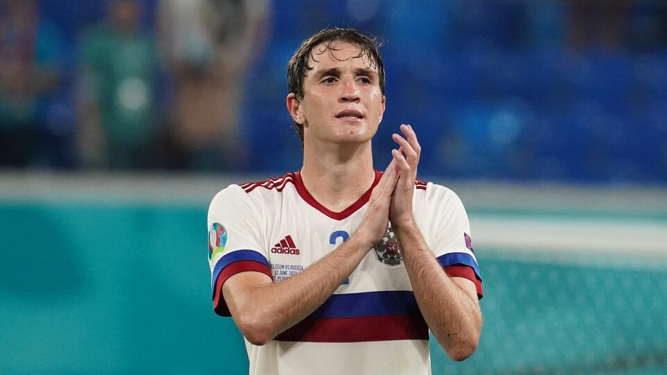 Футболист Фернандес возобновит тренировки через несколько дней