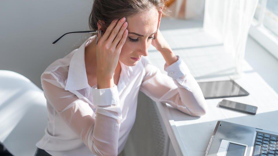 Названы пять способов победить мигрень без лекарств
