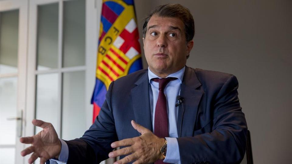 Лапорта одержал победу на выборах президента 'Барселоны'