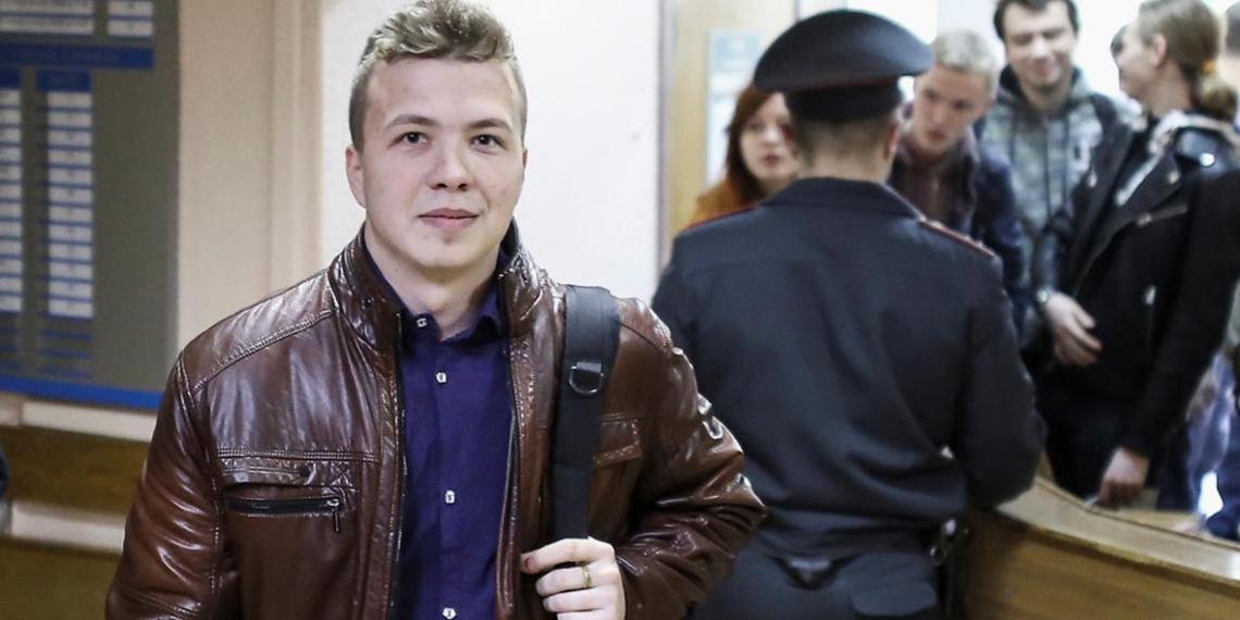 Белоруссия показала доказательства участия Протасевича в боях в Донбассе