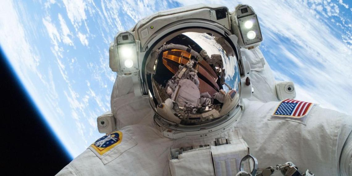 Стало известно, какую зарплату получают астронавты NASA и российские космонавты