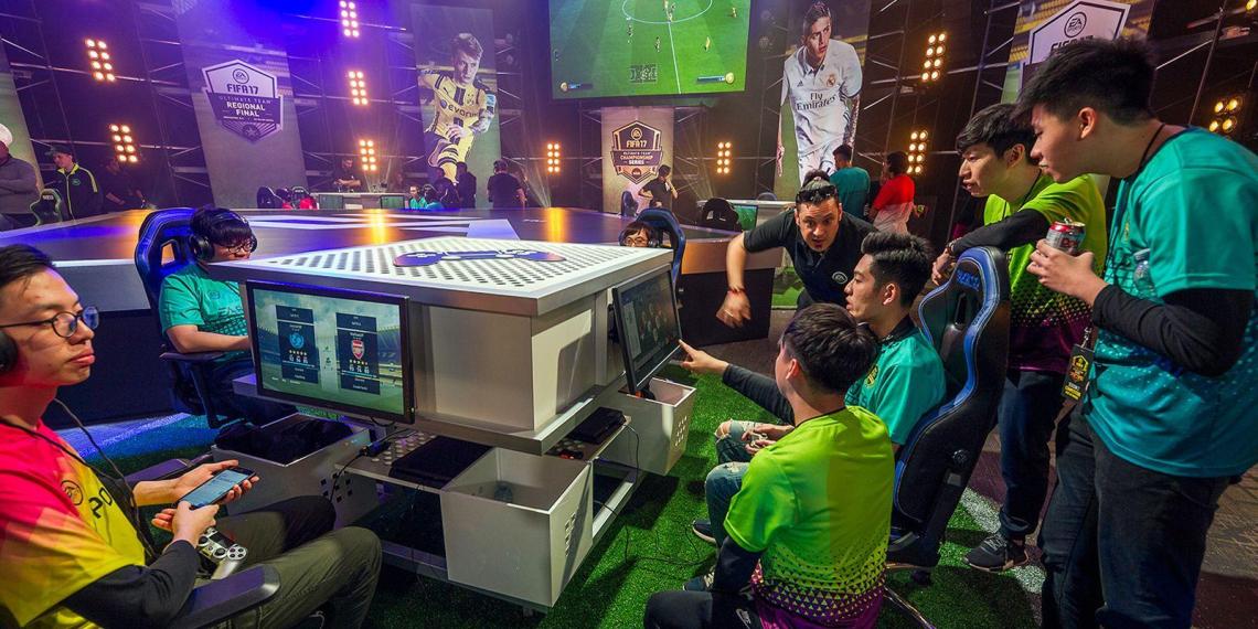 Минспорт возмутился игрой российских киберспортсменов за иностранные клубы в FIFA