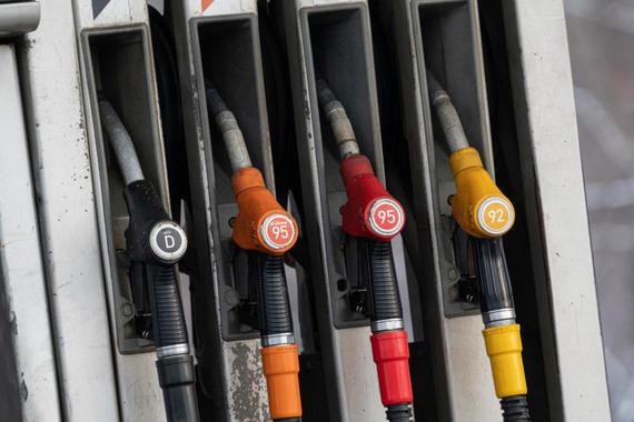 Правительство рассмотрит после праздников проект о временном запрете экспорта бензина