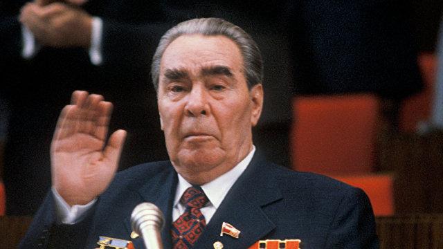 Андрей Козовой: «Как и Брежнев, Путин — политический хамелеон» (L'Opinion, Франция)