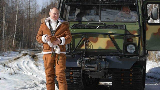 Британские читатели: Путин — слабак, он побоялся сделать прививку раньше (Daily Mail, Великобритания)