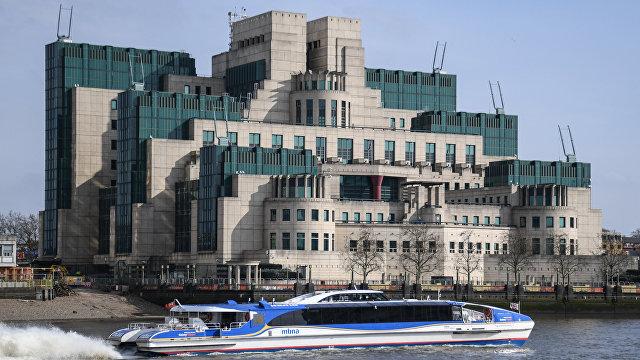 Путин раскритиковал главу МИ-6 за неопытность: «Не портите российско-британские отношения» (Daily Express, Великобритания)