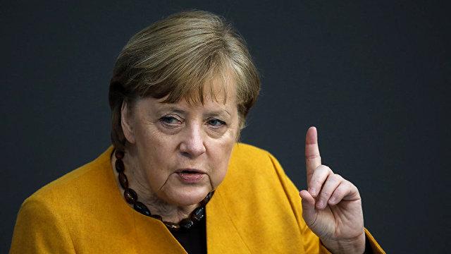 Süddeutsche Zeitung (Германия): Меркель призвала Путина отвести войска от границы с Украиной