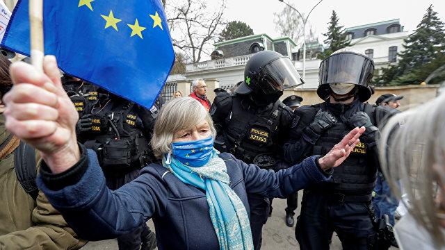 Reflex (Чехия): Дело Врбетице. А что если остыть? Все говорит о том, что намеренной атаки России на Чехию не было