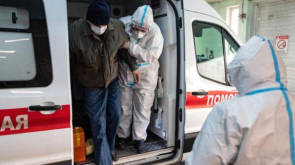 В Москве за сутки госпитализировали 1072 человека с коронавирусом