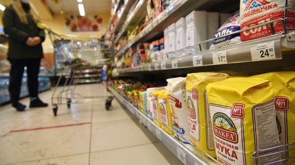 Финансист рассказал, как падение курса рубля отразится на жизни россиян