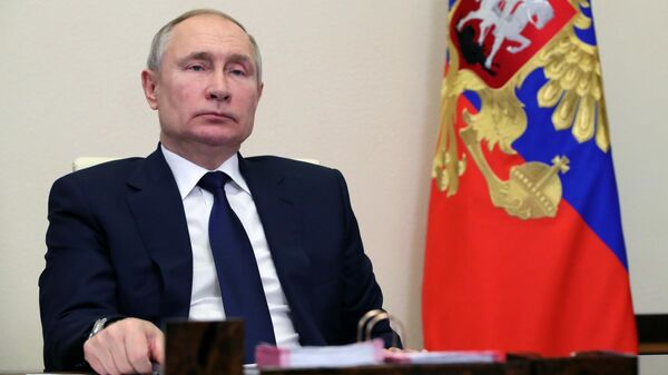 Путин призвал оперативно реагировать на попытки дестабилизации в стране