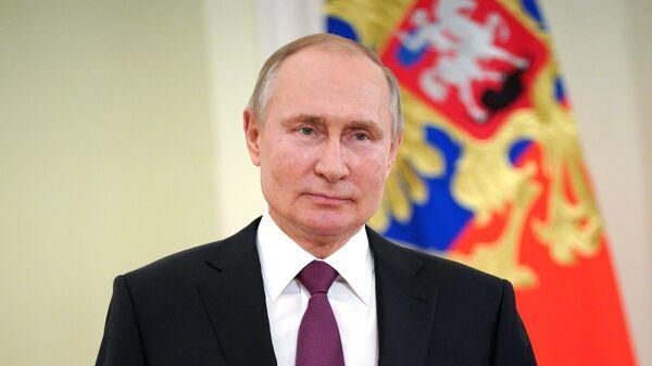 Путин заявил, что только его врач знает, какой вакциной он привился