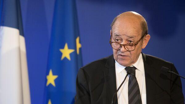 Франция призвала Россию объяснить передвижения войск к границе Украины