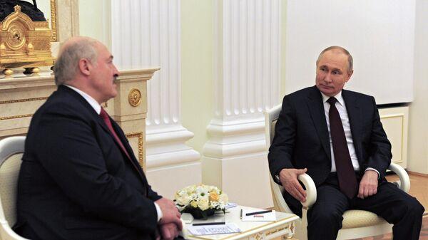 Путин предложил Лукашенко искупаться