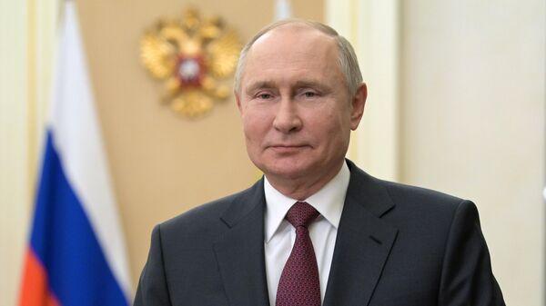 Пашинян поздравил Путина с Днем Победы