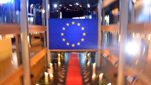 Комитет ЕП одобрил проект решения по COVID-сертификату