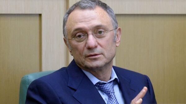 Керимов выплатит дагестанским семьям по 20 тысяч рублей