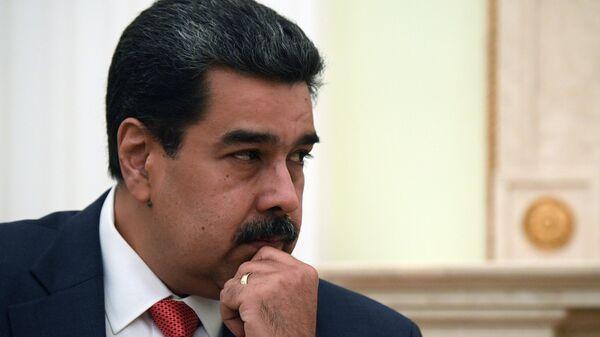 Мадуро планирует снять совместный фильм со Стивеном Сигалом
