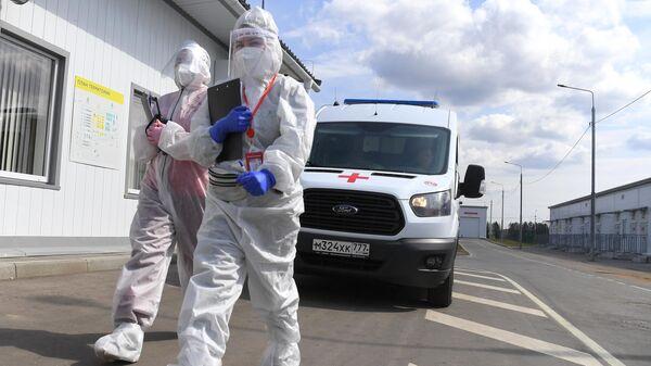 В Москве за сутки госпитализировали 1027 человек с коронавирусом