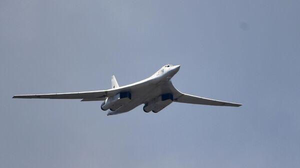 Российские Ту-160 совершили плановый полет над Балтийским морем