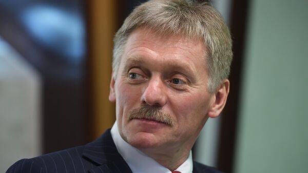 Песков обвинил США в сдерживании сотрудничества в экономике и науке